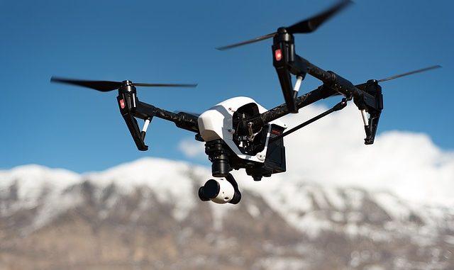 Fejlett drón kamerával