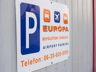 Repülőtéri parkolás transzferrel
