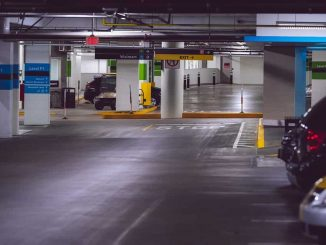 parkolás repülőtér közelében